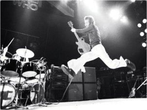 -Pete-Townshend-rock-guitar-legends-32184743-800-600
